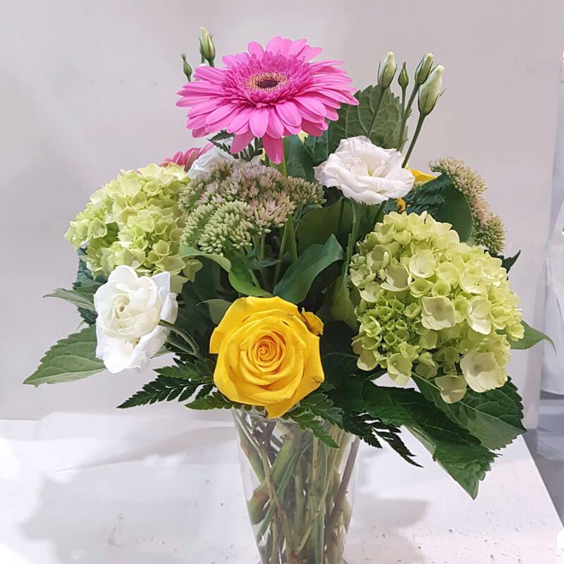 Light spring flower vase flowers london on londons preferred light spring flower vase mightylinksfo